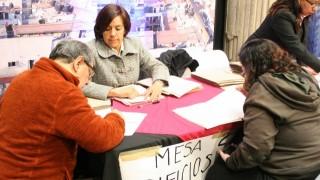 Entrega de 417 cheques en apoyo a la reparación de viviendas